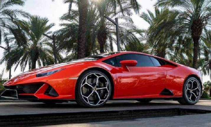Lamborghini Drives In Huracan Evo In India At Rs 3 73 Crore Cars
