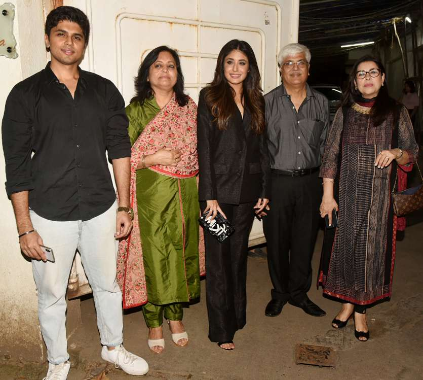 Kritika Kamra arrived with her family as Mitron is her big Bollywood debut