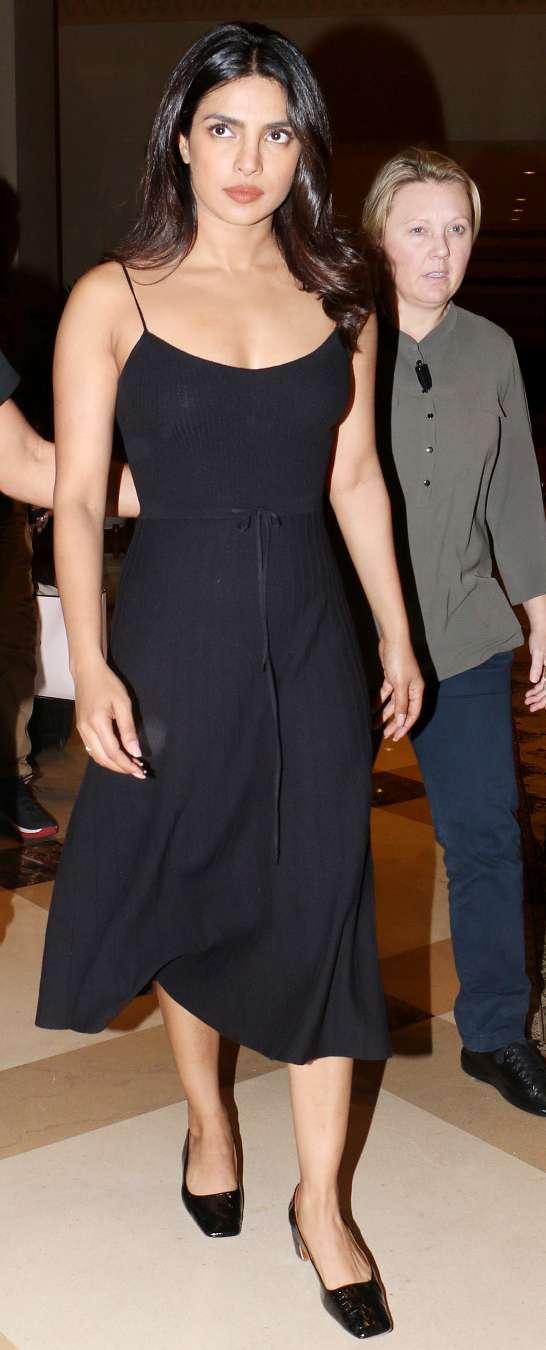 Bride To Be Priyanka Chopra Looks Pretty In Little Black Dress See Pics