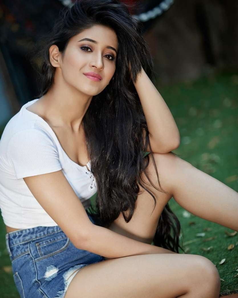 Happy Birthday Shivangi Joshi: Gorgeous pictures of the actress which will  leave you in awe of her beauty