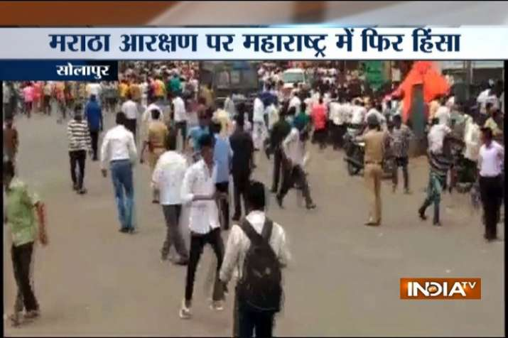 Police had to lathicharge to control violent mob in Solapur