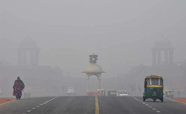Fog envelops Delhi