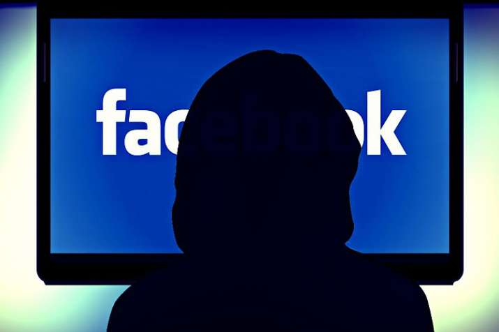 Facebook cracks down more accounts for malicious activities