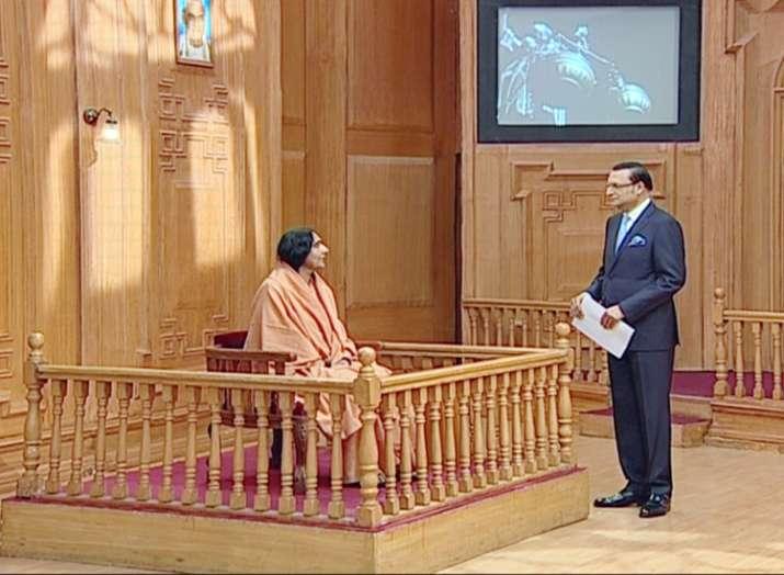 Sadhvi Ritambhara in Aap Ki Adalat: Govt should bring in