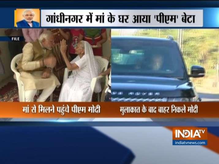 PM Modi meets his mother Hiraben
