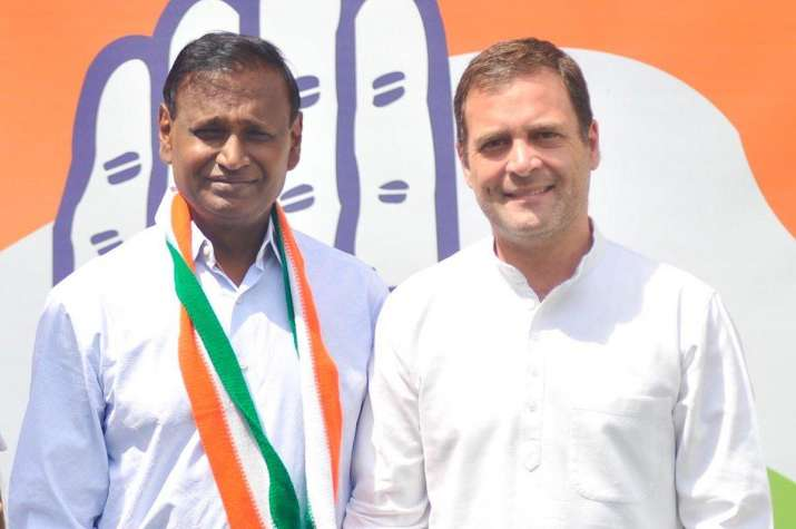Congress Latest News: BJP MP Udit Raj joins Congress party in presence of Congress President Rahul G