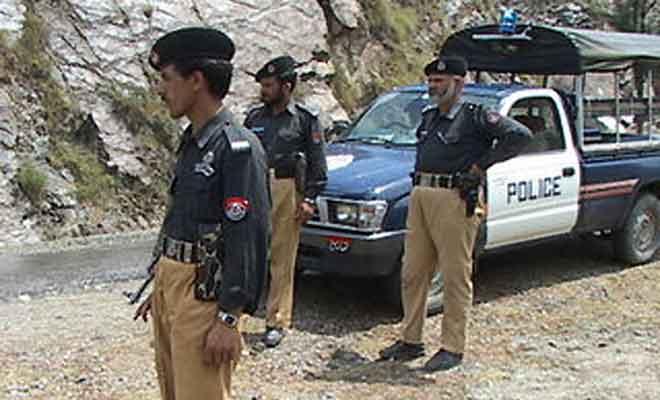 Pakistan: Roadside bomb kills 3 Pak army officers, one