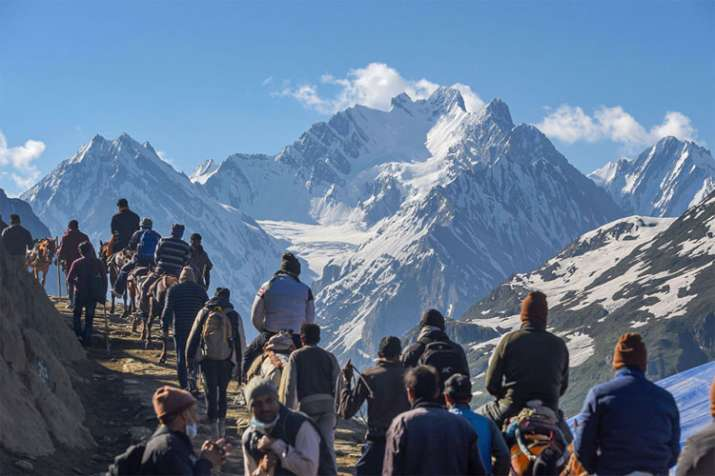 Over 1 lakh pilgrims perform Amarnath Yatra in 8