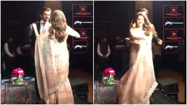 VIDEO: Sunil Grover and Madhuri Dixt dancing to 'Tumse Milke Aisa Laga' will make you smile