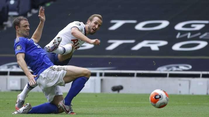 Tottenham's Harry Kane, 2nd left, scores his side's second