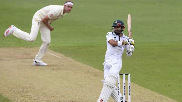 England's Stuart Broad, left, bowls to Pakistan's Mohammad