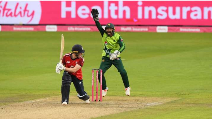 Mohammad Rizwan of Pakistan appeals successfully for the