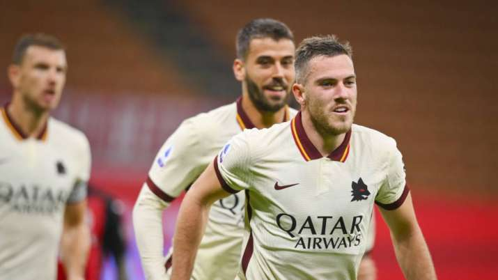 Roma's Jordan Veretout celebrates after scoring during the