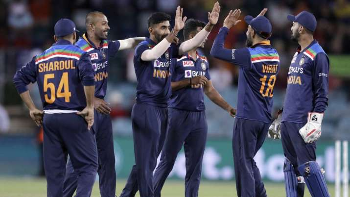 Team India celebrate after win against Australia in 3rd ODI