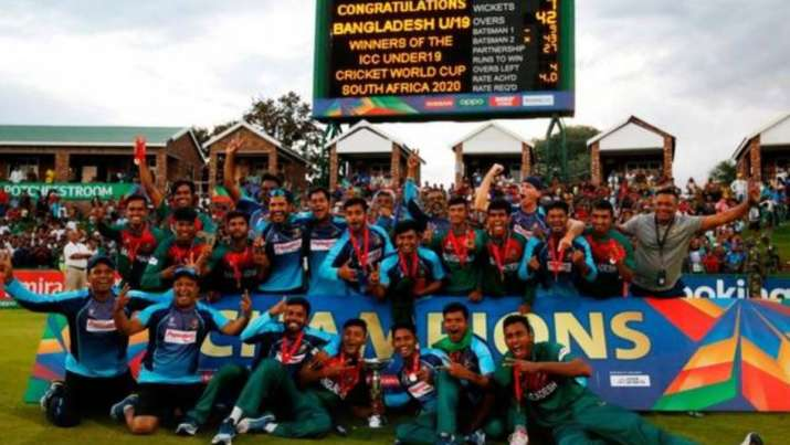 Bangladesh's Under-19 cricket team with the World Cup