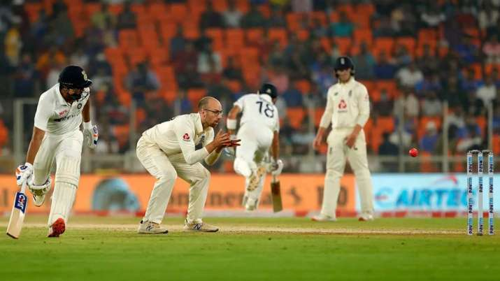 India demolished England by 10 wickets to go 2-1 up in the