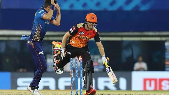 Abdul Samad of Sunrisers Hyderabad gets runout during match