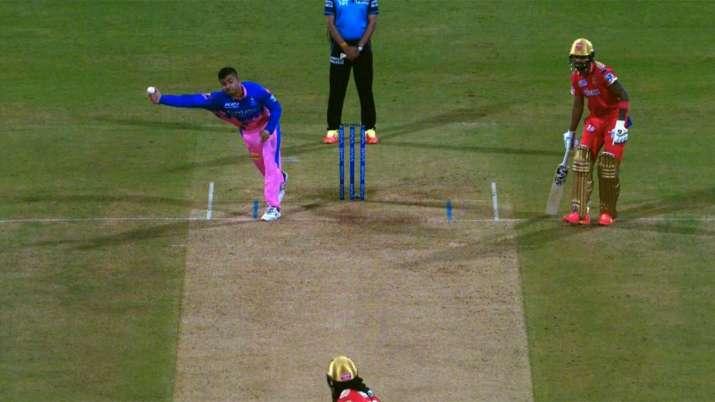 Riyan Parag's bizarre' right-arm perpendicular' bowling