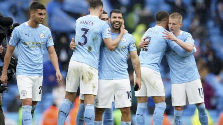 Manchester City's Sergio Aguero, centre, celebrates with