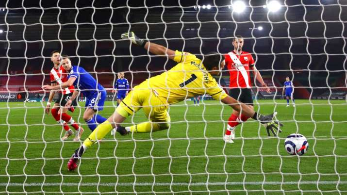 Premier League: Leicester City held to 1-1 draw by 10-man Southampton