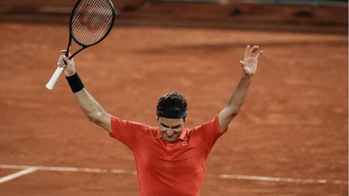 Switzerland's Roger Federer celebrates after defeating