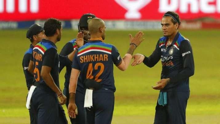 India's Rahul Chahar, right, celebrates the wicket of Sri Lanka's Wanindu Hasaranga