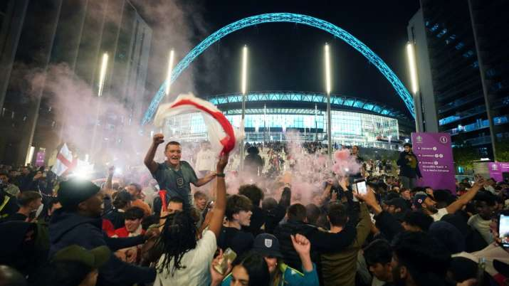 Counting the cost: England fans gear up for Euro 2020 final