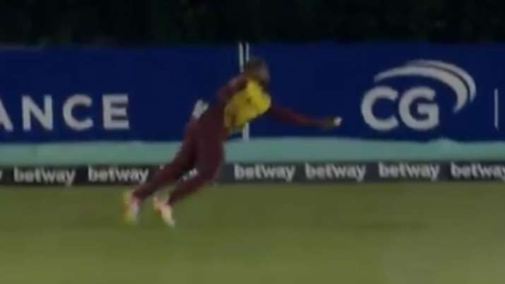 WI vs AUS: Fabian Allen takes a ridiculous one-handed catch to dismiss Aaron Finch | Watch