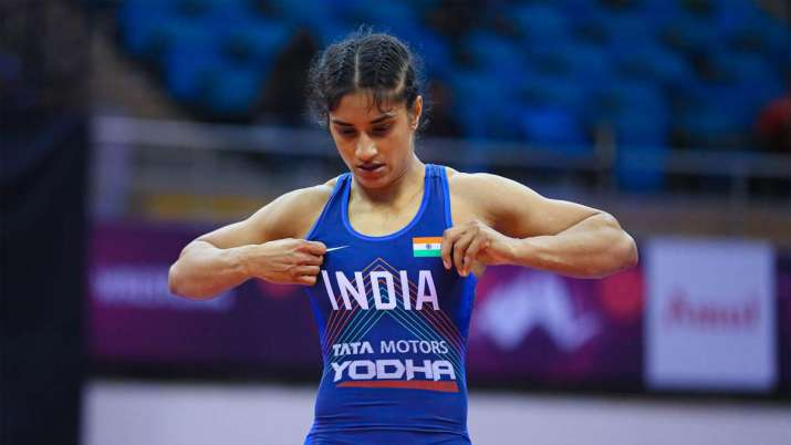 More 'conscious' Vinesh going into Olympic with 'clear head': Coach Woller Akos