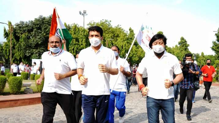 Sports Minister Anurag Thakur launches Fit India Freedom Run 2.0