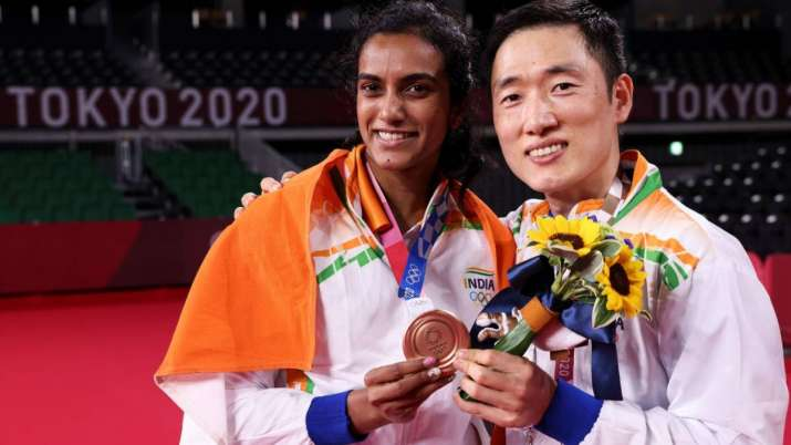 PV Sindhu and coach Park Tae-Sang after bronze medal win