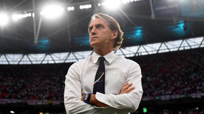 Roberto Mancini keeps faith in Italy's Euro 2020-winning squad
