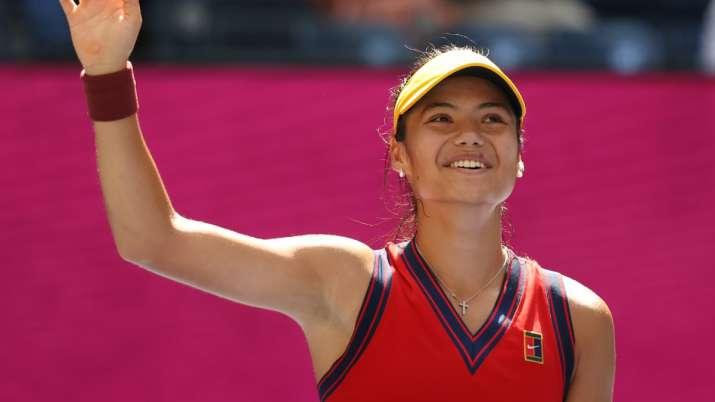 US Open: At 18, Emma Raducanu becomes first qualifier in tournament's semifinal; Sakkari next