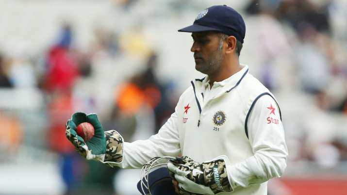 MS Dhoni's decision to retire from Tests was 'brave and selfless': Ravi Shastri