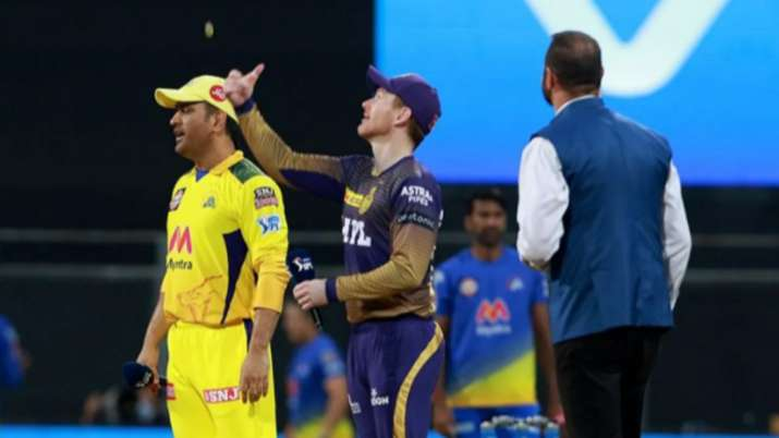 MS Dhoni and Eoin Morgan
